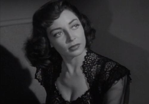 Marie Windsor in The Narrow Margin (1952)
